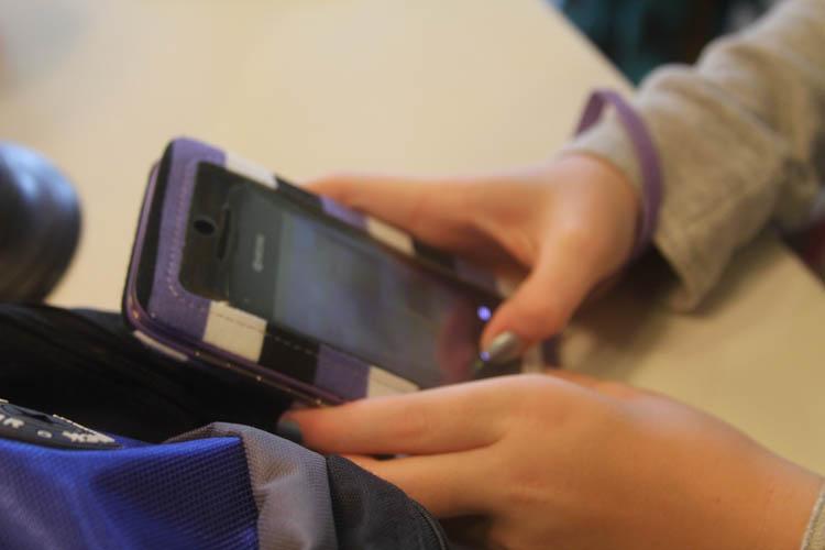 iphone-wristlet