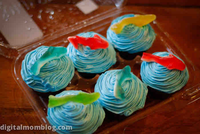 great blue cupcake